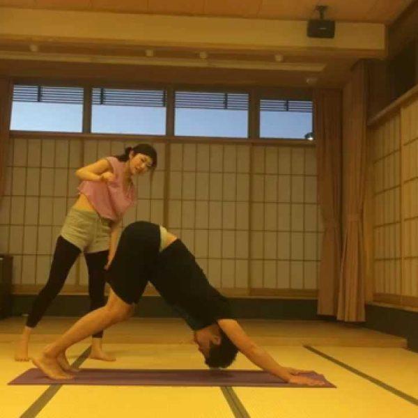 基本のメンズヨガ!太陽礼拝【筋トレ動画】