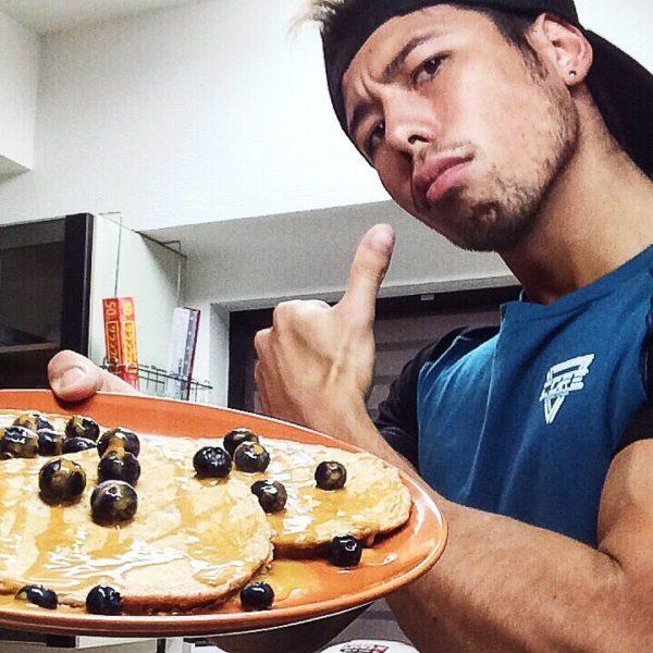 高たんぱく質/低脂肪パンケーキ「カネキッチン」【筋トレ動画】