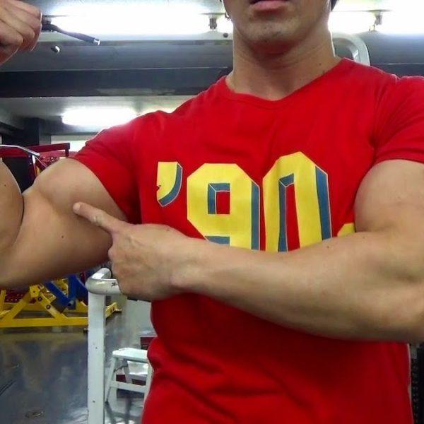 腕のトレーニング動画《解説付》二頭筋と三頭筋のスーパーセット【筋トレ動画】