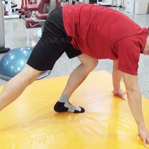 体の柔軟性は足首から!足首をストレッチする効果的な方法【筋トレ動画】