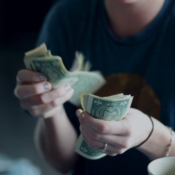 ケチな男はお金がないのではなく、心が貧しいのだ!【マッチョ塾】
