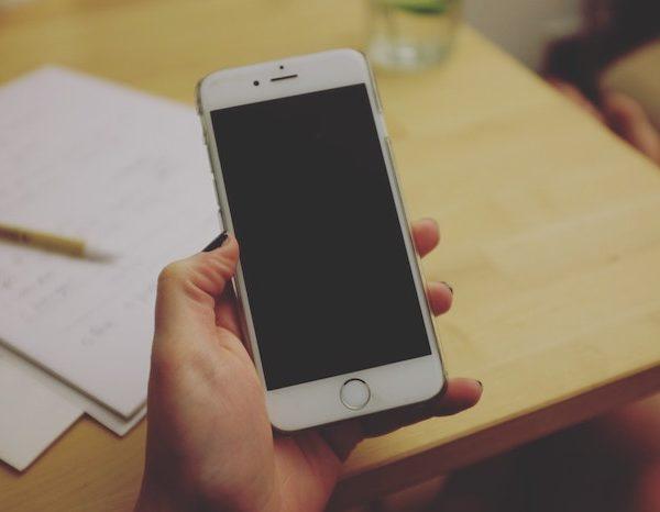 すぐ電話をかけてくる人は仕事ができない。時代遅れ、そして迷惑行為であること自覚すべき!《前半》
